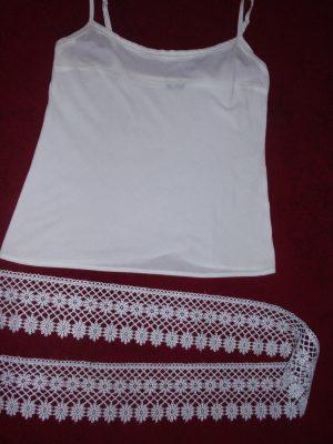 2150d678f Tip na jednoduchú úpravu oblečenia: Ako predĺžiť krátky top ...